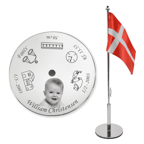 Memozz Dåbsflag med fotogravering - Flot bordflag med barnets fødselsdata og billede