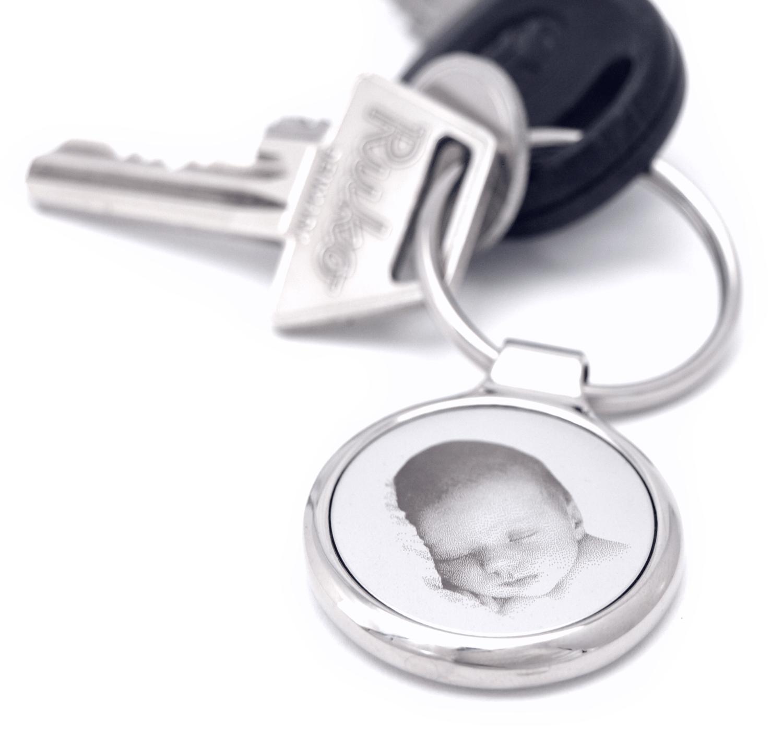Nøglering med fotogravering af baby - Nøglering i nøglebundt fra Memozz