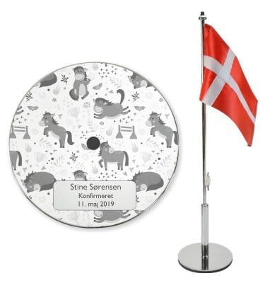 Konfirmations bordflag med hestemotiver
